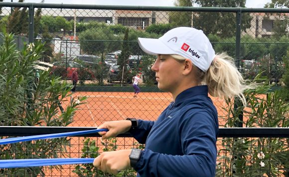 Nika to the quarterfinal in Heraklion and final in doubles